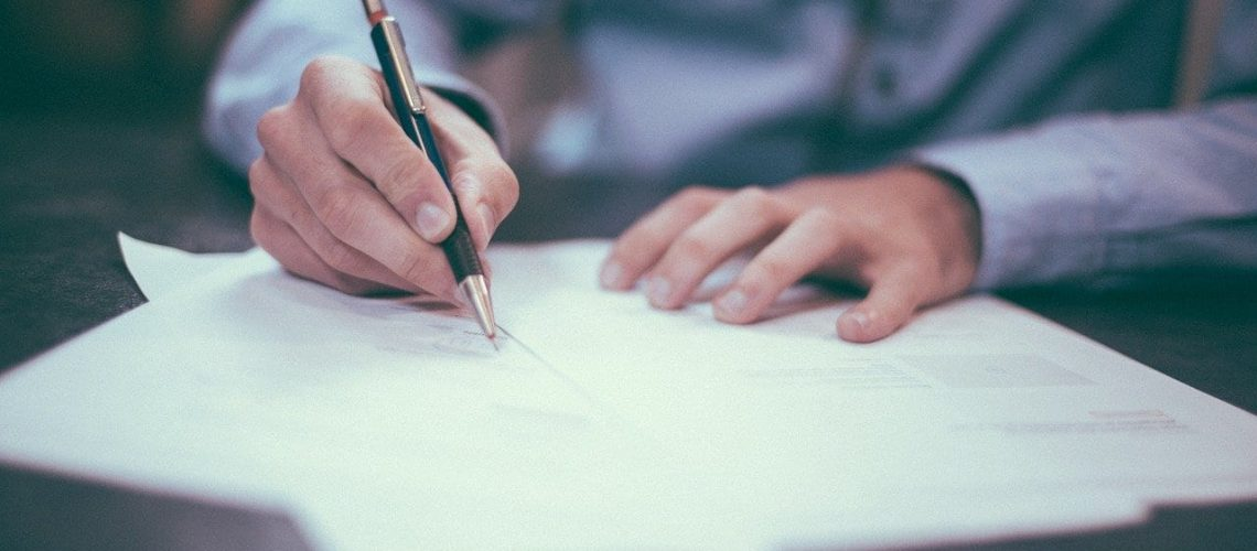 6 Contract Mistakes That Can Kill Your Business